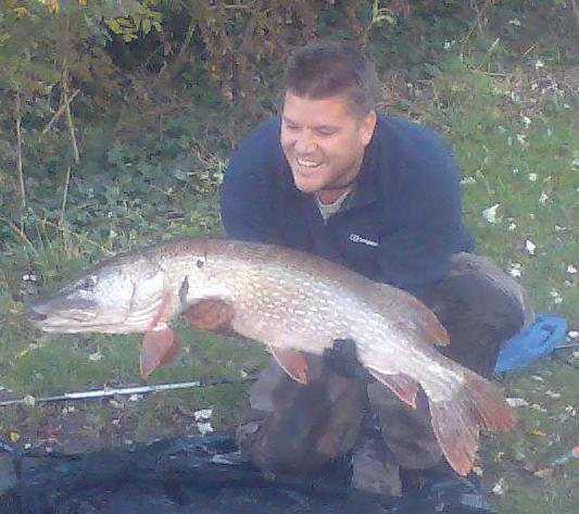 Gary Anderson 27lb pike